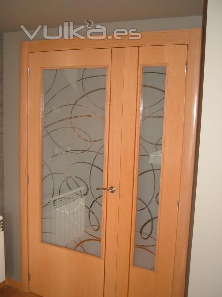 Vidrios cambredo for Vidrios decorados para puertas interiores