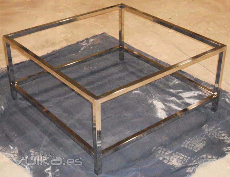 Foto mesa de centro con doble cristal hecho en acero for Cristal mesa a medida