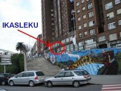 Vista desde la calle nafarroa de la entrada a ikasleku. (calle uribarri 6, entreplanta. basauri)