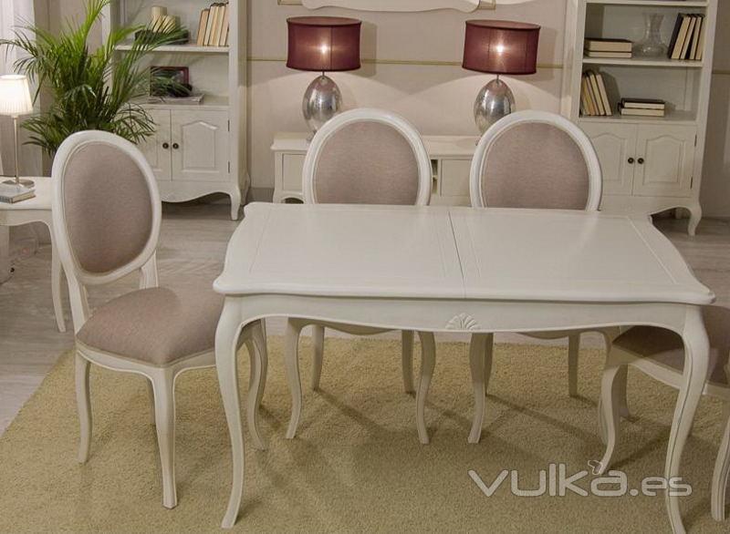 Foto mesa de comedor extensible par s vintage blanco roto for Comedor vintage blanco