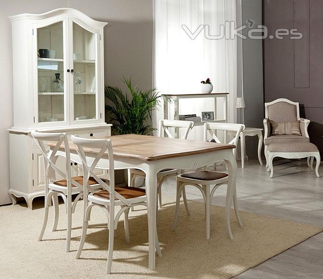 Foto ambiente comedor par s vintage blanco lacado for Comedor blanco y madera