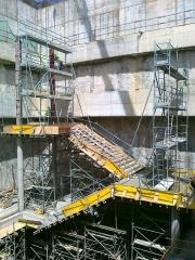 Fabricantes de Encofrados circulares. Encofrado de pilares circulares para forjado de escaleras.