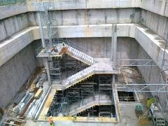 Encofrados circulares de columnas circulares para ejecuci�n de forjado de escaleras. Encofrados.