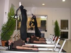 Equipo de wellness clinic cádiz-sala de pilates avenida ana de viya,44