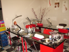 Academia y salon de belleza