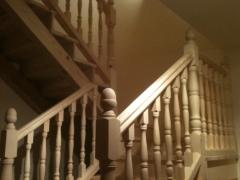 Barandilla y escalera de pino