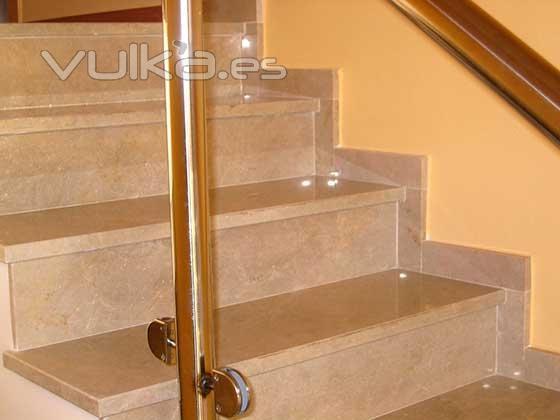 Encimeras de cocina jcaravaca m rmoles y granitos for Encimera de marmol precio