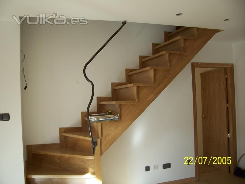 Foto escalera en duplex a - Escaleras de interior de obra ...