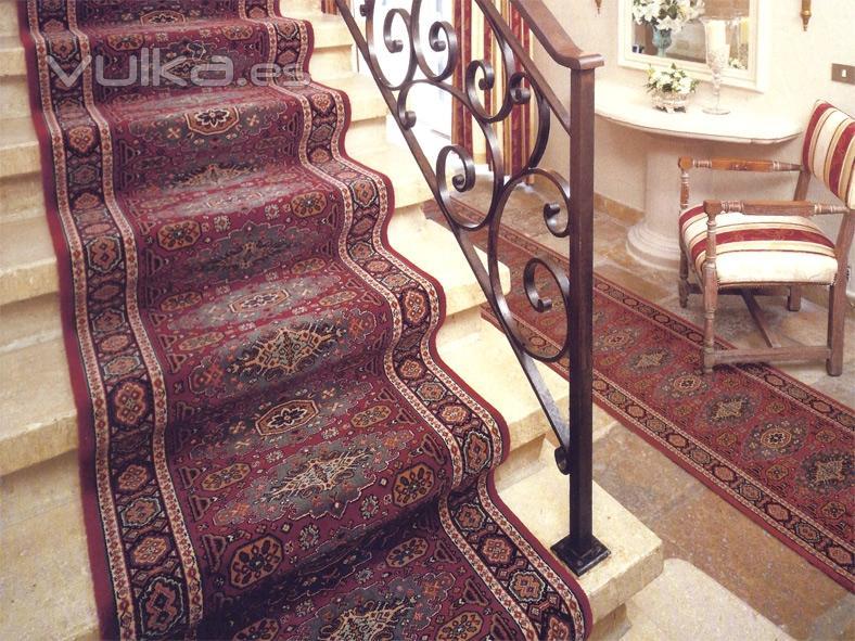 Foto alfombras para escalera o pasillo for Moqueta pasillo