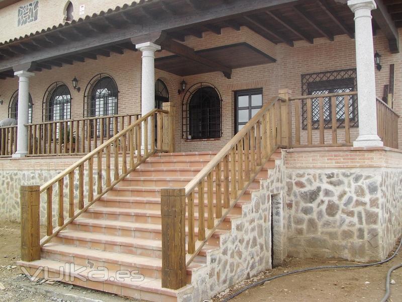 Foto barandillas y porches de madera - Barandilla de madera exterior ...