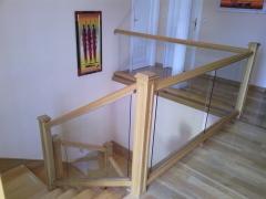 Barandillas de cristal y  madera