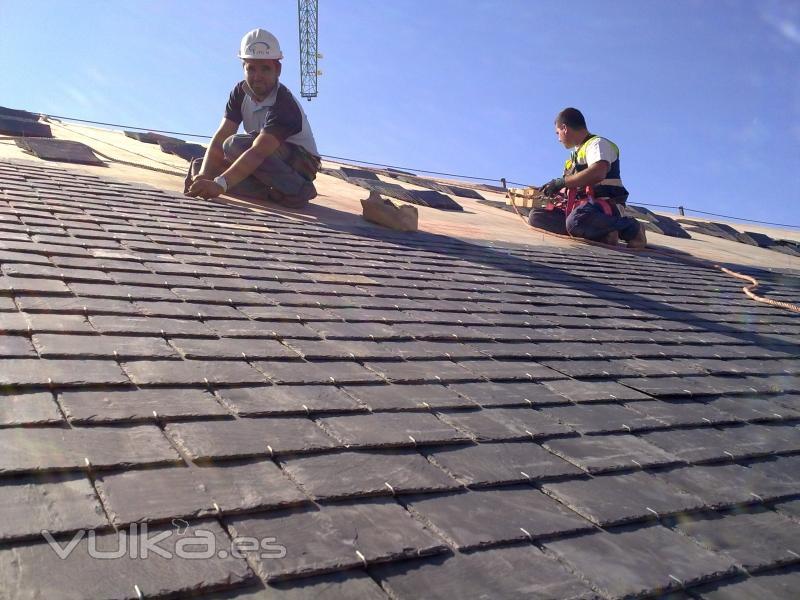 Reparaciones de tejados de pizarra oliver rodriguez martin for Tejados de madera y pizarra
