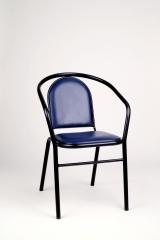Sillón mod. sn-9. asiento y respaldo tapizados. pintura al horno en negro.