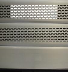 Muestra de lama microperforada de 10 cm de enrollable de aluminio anonizado plata