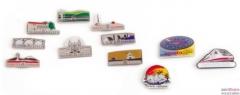 Pins publicitarios personalizados y llaveros promocionales metalicos