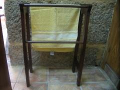 Toallero pie madera.comprar en www.macovi.es