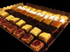 Pastelitos variados: 50 piezas seleccionadas de nuestras mejores especialidades