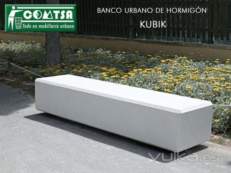 Foto z 1740 bancos hormigon kubik banco urbano for Bancos de piedra para jardin