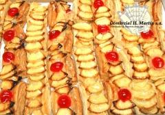 Mini tiras de hojaldre con crema y manzana pili, nuestra marca