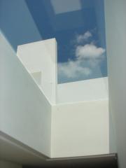 House rt_sotogrande-vista del lucernario desde el interior_2008-2011_n+a arquitectos