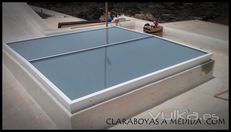 Claraboya fija materiales de construcci n para la reparaci n for Persiana claraboya