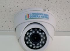 Domo con infrarrojos (0 lux) 600 líneas tv instalado en falso techo