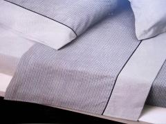 Detalle de la encimera y de la funda de almohada