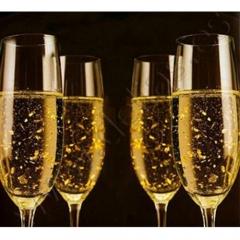 Champ�n con oro comestible, vodka roberto cavalli, ron matusalem, moscato, laurent perrier...