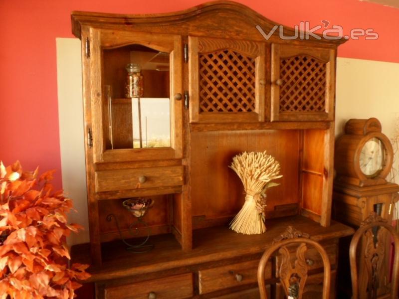 Foto mueble aparador rustico completamente artesanal for Muebles rusticos toledo