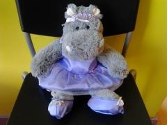 Hipopotamo disfrazado de bailarina