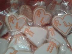 Raul y leire personalizaron su boda en color naranja