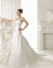 Modelo riam de aire barcelona 2013. colecci�n vestidos de novia 2013