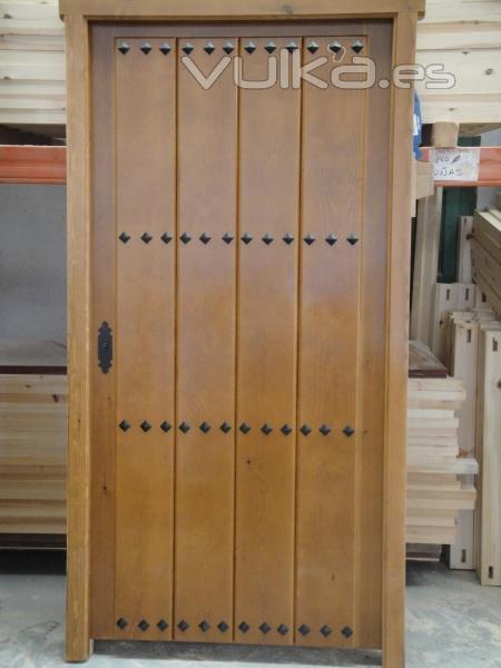 Puerta rustica con clavos gitanos idonea para cortijo o - Puertas de chalet ...