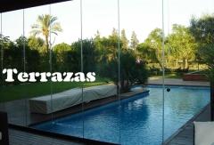 Cerramiento de terraza con cortina cristal
