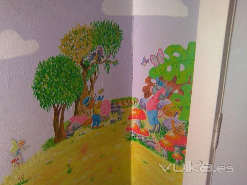 Foto dibujo realizado en habitaci n infantil fabula del - Dibujo habitacion infantil ...