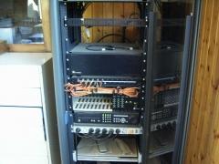 Rack de megafonia y cctv en centro comercial