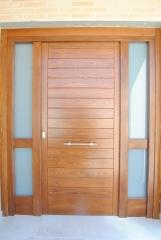Puerta modelo JR horizontal de Carpinterr�a Jos� Rutia S.L.