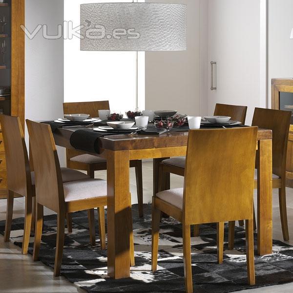Foto mesa comedor cerezo y nogal silvia for Mesa comedor cerezo