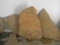 Piedra ra�z t�pica de mosqueruela (teruel)