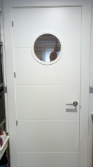 Puerta de paso lacada ojo de buey