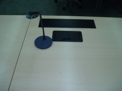 Instalación con cajeado en mesa