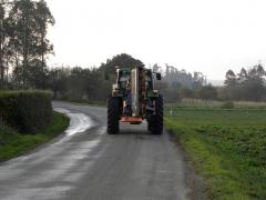 Tractor con trituradora