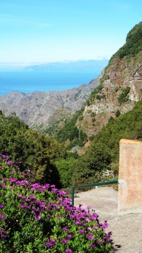 Paisaje con Tenerife al fondo, desde el Restaurante La Vista, La Gomera