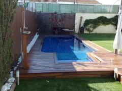 tarima de ipe en piscina y porche