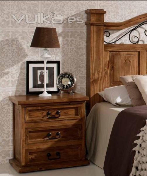 Foto: mesita rustica madera