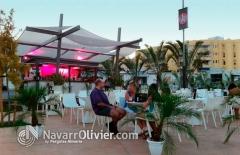 Terraza de chiringuito con p�rgola decorativa by navarrolivier.com