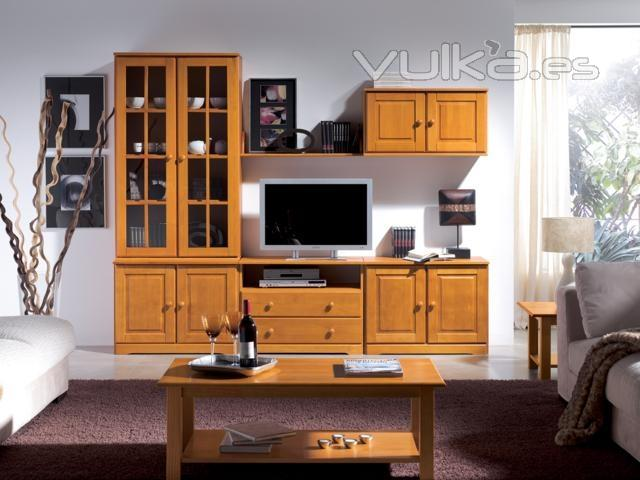 Foto mueble salon miel for Muebles de pino color miel