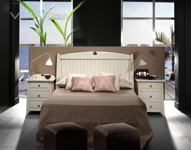 Foto dormitorio rustico blanco for Muebles de habitacion en blanco