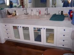 Mueble de ba�o con cristal para visillo