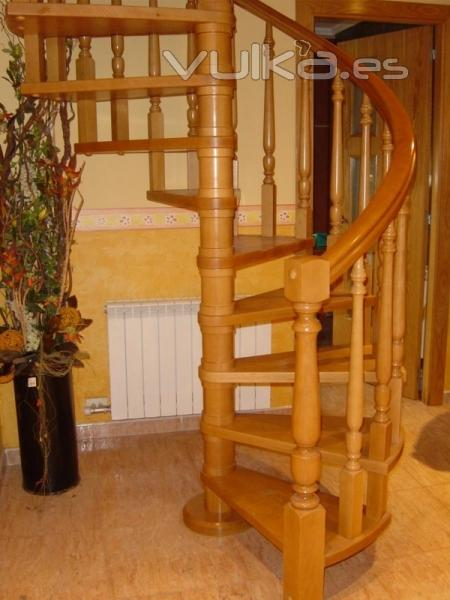 Foto escalera caracol - Escaleras de caracol de madera ...